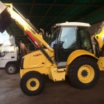 Retroexcavadora New Holland B110B 1